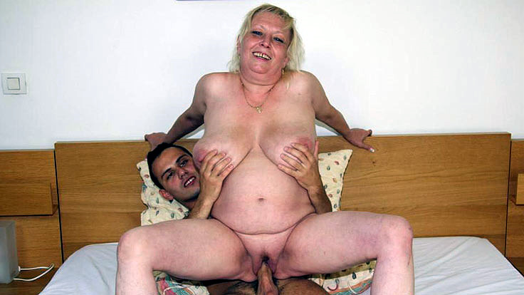 Round Elderly Fuckslut Absorbs Hard-on