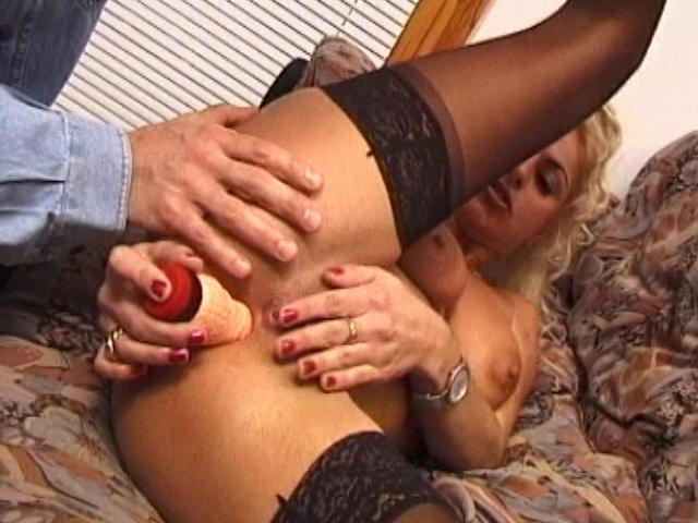 Buxomy Towheaded Wifey In Pantyhose Dildoing Her Humid Honeypot At The Sofa